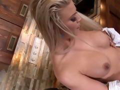 blonde d